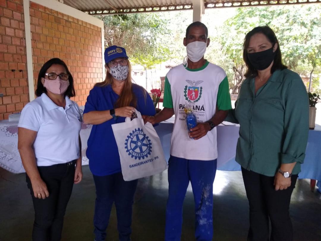 No CMEI Elza Ruiz, Rotary Club realiza doação de EPIs para trabalhadores de Itambaracá